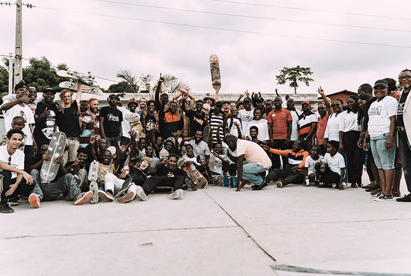 Group picture of Angolan skateboarders